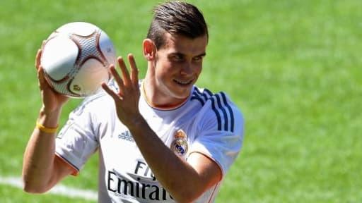 """Pour le président de la FIFA, le transfert de Gareth Bale incarne la """"logique du marché""""."""