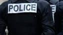 Selon François Fillon, des mesures ont été prises pour protéger les familles des policiers de Grenoble menacés de mort après la fusillade dans le quartier de La Villeneuve, et pour retrouver les auteurs de ces menaces. /Photo d'archives/REUTERS/Charles Pl