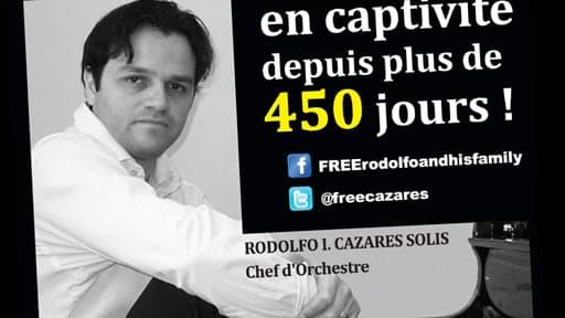 Cette affiche a été imprimée après le cap des 450 jours de détention de Rodolfo Cazares.