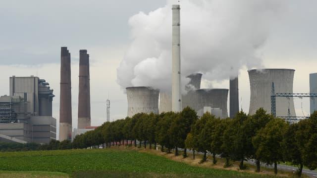 L'énergéticien allemand RWE, exploitant de la centrale thermique à charbon de Grevenbroich, n'entend pas arrêter d'utiliser ce combustible pour produire de l'électricité. (image d'illustration)