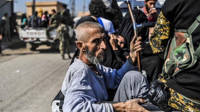 Plus de 3.000 civils ont fui Raqqa.
