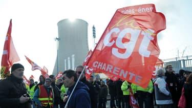 C'est une décision du Conseil d'État de 2013 qui autorise les dirigeants d'EDF à restreindre le droit de grève sous certaines conditions.