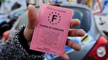 """Un texte parlementaire de l'UDI propose la création d'un """"permis probatoire"""" de deux ans, avant l'obtention définitive du fameux sésame rose, afin de diminuer les délais de passage à l'examen de conduite."""