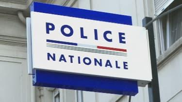 Quatre Français ont été interpellés après-midi à Paris, Ivry-sur-Seine Marne et dans les Yvelines le 5 septembre 2013.