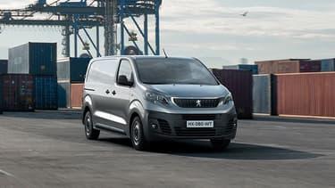 Les 100 premiers véhicules utilitaires à hydrogène de PSA (Peugeot Expert, Citroën Jumpy et Opel Vivaro) seront équipés en systèmes par Symbio, filiale des Groupes Michelin et Faurecia.