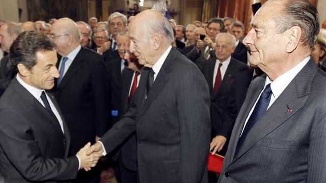 Nicolas Sarkozy ici avec Valéry Giscard d'Estaing et Jacques Chirac en 2010. Il s'agit des trois anciens chef de l'Etat encore en vie