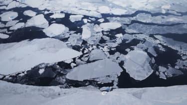 Photo illustrant la fonte des glaces au Groenland