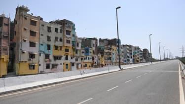 Les rues de New Delhi désertes, le 18 avril 2021.