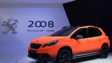 Le groupe PSA va créer 200 postes supplémentaires dans son usine de Mulhouse, au lieu de 100 prévu initialement, afin d'augmenter la cadence de production de sa Peugeot 2008, pour laquelle il a enregistré plus de 26.000 commandes en Europe depuis son lanc