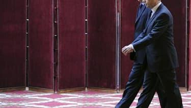 La cote de Nicolas Sarkozy remonte de cinq points depuis le mois d'avril, 36% des Français se déclarant satisfaits de l'action du chef de l'Etat dans le palmarès de l'exécutif OpinionWay-Krief Group pour le quotidien gratuit Metro. Quant à celle de Franço