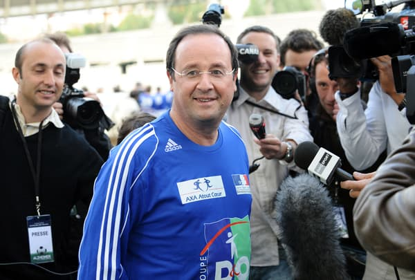 François Hollande en maillot de football en 2008
