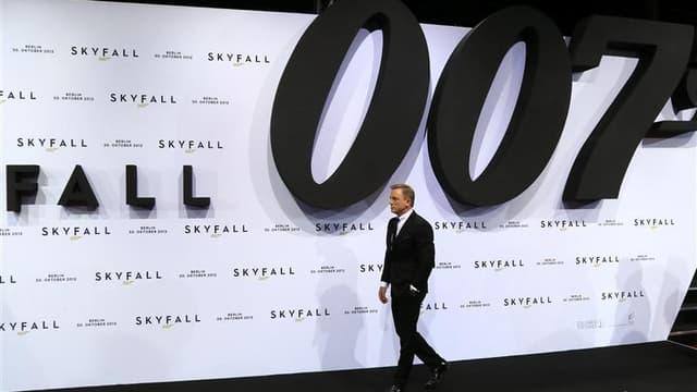 """Avec près de 88 millions de dollars de recettes lors de son premier week-end d'exploitation en Amérique du Nord, et 428 millions de dollars à l'étranger, """"Skyfall"""", le 23e film de la série des James Bond, en est déjà à 518,6 millions de dollars de recette"""