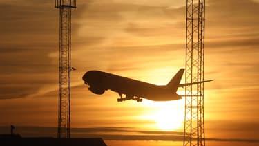 L'objectif de la taxe est de minimiser l'empreinte climat de l'avion