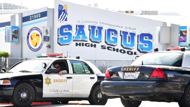 Un garçon de 16 ans a tué deux de ses camarades dans son lycée à Los Angeles, avant de se suicider
