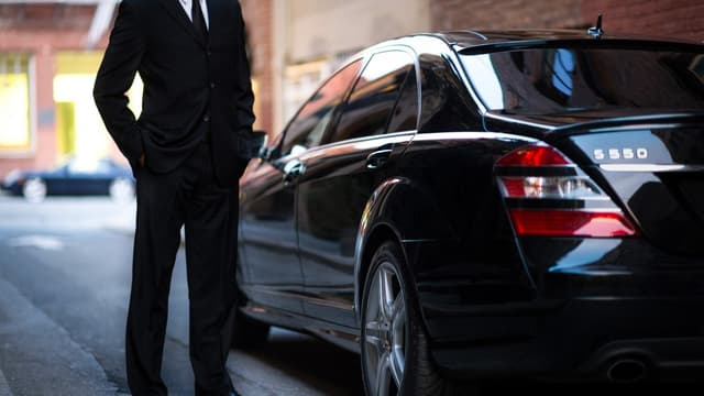 """La Cour de justice européenne a été sollicitée pour avis par un juge espagnol, saisi en 2014 par une association professionnelle de chauffeurs de taxis de Barcelone, en Espagne, qui s'estiment victimes de """"concurrence déloyale"""" de la part d'Uber."""