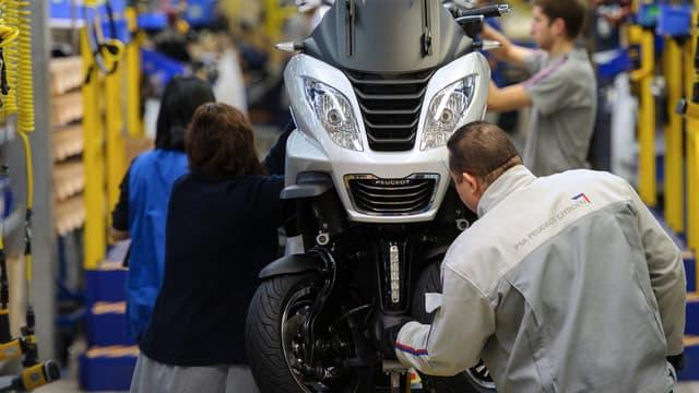 Peugeot scooters vise 80 départs volontaires en préretraite, selon la direction.