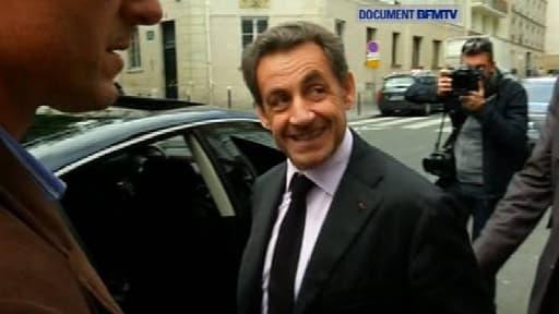 Nicolas Sarkozy à sa sortie de la Grande mosquée de Paris, lundi.