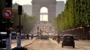Un homme a été interpellé dans un magasin des Champs-Elysées après avoir commis plusieurs agressions sexuelles (photo d'illustration)