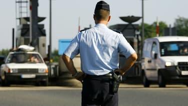 Un CRS qui contrôlait des automobilistes sur l'A13 est accusé de viol.