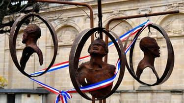 Sculpture mémorielle à Bordeaux, afin de rappeler le passé négrier de la ville