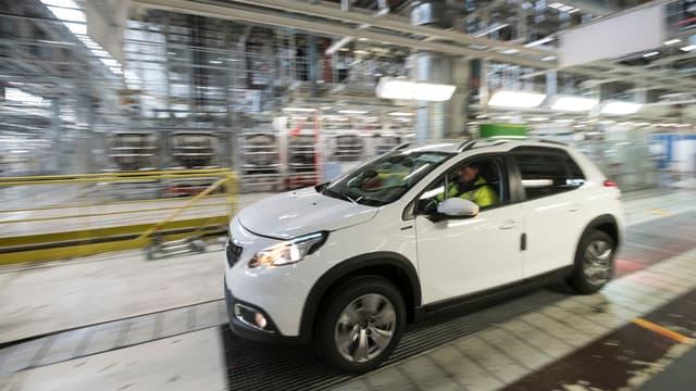 Baisser les coûts de production de 20% permettrait de doubler la production automobile en France, d'en relocaliser une partie, souligne un rapport du Conseil d'analyse économique.