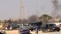Vingt-cinq personnes sont mortes et des dizaines d'autres ont été blessées samedi à Benghazi, en Libye, lors d'affrontements entre des manifestants et une milice. Les manifestants exigeaient la fin des milices qui n'ont toujours pas rendu leurs armes près