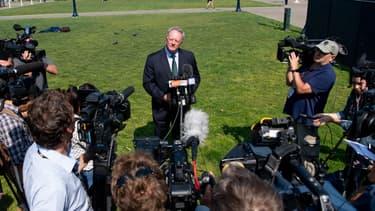 Le vice-président de Monsanto, Scott Partridge, s'exprime face à la presse le 10 août, après la condamnation à payer 289 millions de dollars à un jardinier;