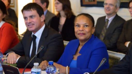 Manuel Valls et Christiane Taubira se rendront en Corse fin novembre