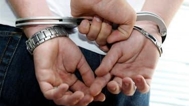 Une étude officielle montre une forte hausse de la délinquance étrangère en France, des statistiques qui tendent à conforter la position du gouvernement. Entre 2006 et 2011, la part des étrangers parmi les personnes mises en cause pour des vols est passée
