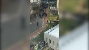 Une centaine de personnes ont pénétré dans l'enceinte de La Pitié-Salpêtrière.