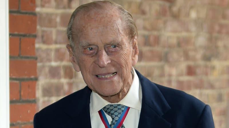 Prince Philip: salves de tirs et silence en hommage au lendemain de la mort du Duc d'Édimbourg