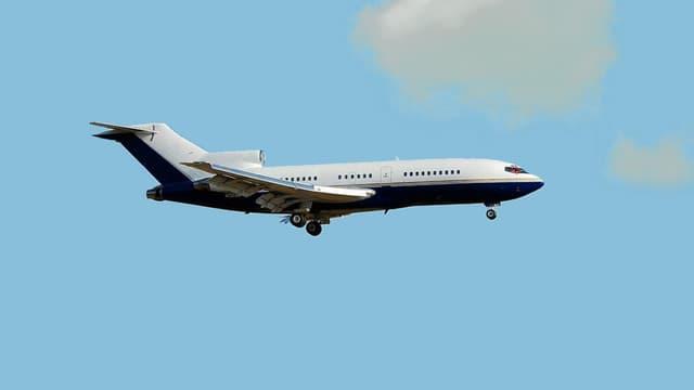 En attente d'un acquéreur, ce Boeing 727 ayant appartenu à André Agassi voit son prix diminuer.