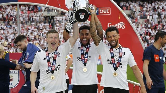 Les joueurs de Fulham célèbrent la montée