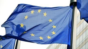 """Bruxelles veut continuer d'assister la Grèce, """"par tous les moyens nécessaires""""."""