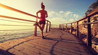 Les adultes âgés de 18 à 64 ans devraient pratiquer au moins, au cours de la semaine, 150 minutes d'activité d'endurance d'intensité modérée ou au moins 75 minutes d'activité d'endurance d'intensité soutenue.