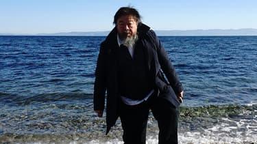 Ai Weiwei sur l'île de Lesbos, en Grèce, le 1er janvier 2016.