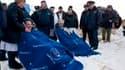 Une navette spatiale Soyouz a atterri jeudi au Kazakhstan avec un astronaute américain Jeff Williams (à gauche) et un cosmonaute russe Maxim Souraev (4e à droite) de retour d'une mission à bord de la Station spatiale internationale (ISS). /Photo prise le