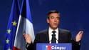 """François Fillon a renouvelé son appel à l'opposition socialiste à voter l'introduction dans la Constitution française d'une """"règle d'or"""" imposant l'équilibre des finances publiques dimanche à Marseille, en clôture des universités d'été du parti présidenti"""