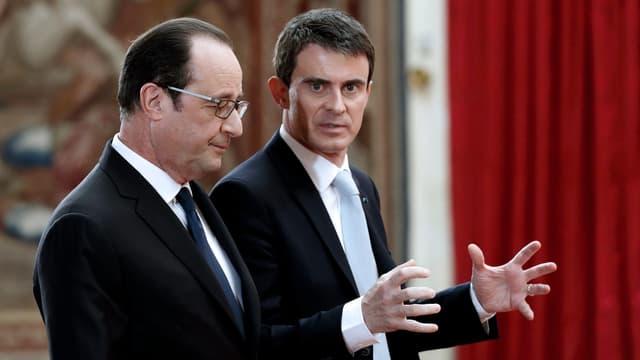 Les cotes de popularité de Manuel Valls et de François Hollande sont de nouveau en baisse (photo d'illustration).