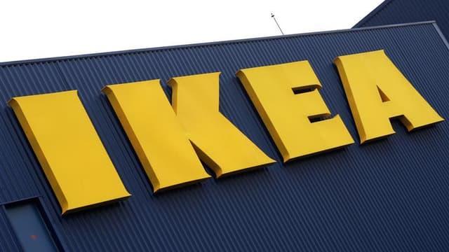 La police française a perquisitionné mardi au siège français d'Ikea à Plaisir (Yvelines) dans l'enquête ouverte sur des pratiques présumées d'espionnage d'employés et de clients du géant de l'ameublement suédois. /Photo d'archives/REUTERS/Olivier Pon