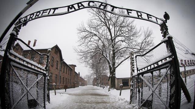 L'entrée du camp de concentration nazi d'Auschwitz, en Pologne (photo d'illustration)