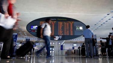 Les voyageurs ne doivent réserver ni trop ni trop tard leurs billets d'avion.
