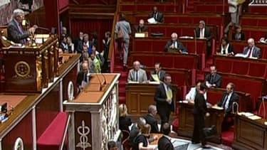 """Les députés ont voté la """"taxe à 75%"""", contribution exceptionnelle des hauts revenus."""