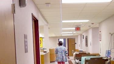 Après 19 jours de coma, la patiente a bougé son orteil au moment où les médecins la débranchaient.