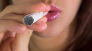 Comme pour  l'alcool ou le tabac, les majeurs pourront toujours ravitailler les mineurs.
