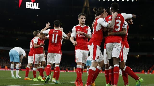Les joueurs d'Arsenal attaquent la Premier League en confiance.
