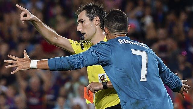 Cristiano Ronaldo a craqué en poussant l'arbitre de Barça-Real ce dimanche (1-3).