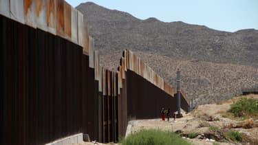 La portion de mur déjà présente à la frontière entre le Mexique et les Etats-Unis, le 23 mai 2017.