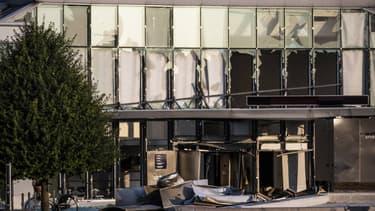 Le siège de l'administration fiscale après l'explosion