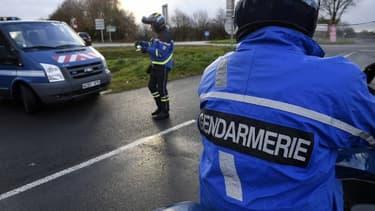 Des officiers de gendarmerie - Image d'illustration